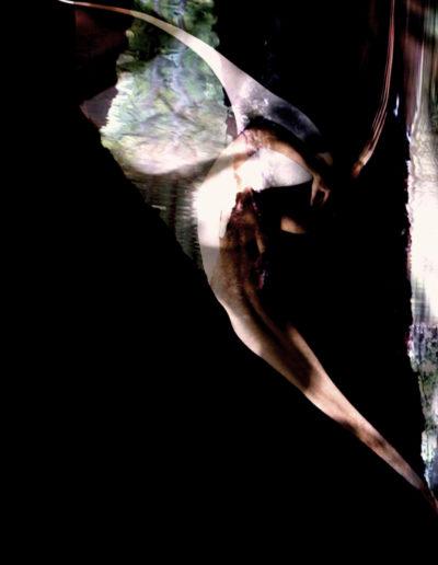 Mya Lurgo, Aleggiando Luce, lightbox, LED, intaglio al laser, 100x100 cm, 2010